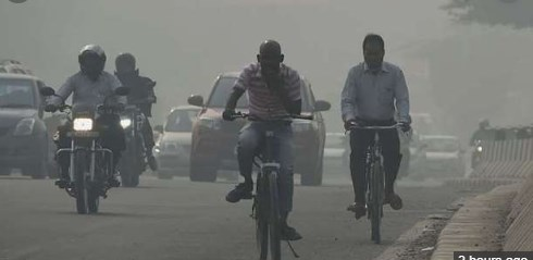 Indian capital in 'day-to-day battle' with smog as cool weather sets in