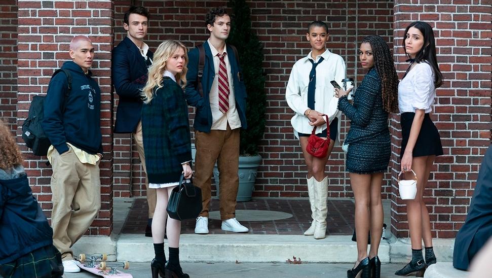 Download Gossip Girl series