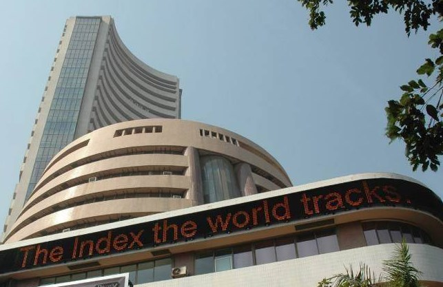 Sensex closes 66 points lower at 52,586; Nifty ends at 15,763 points